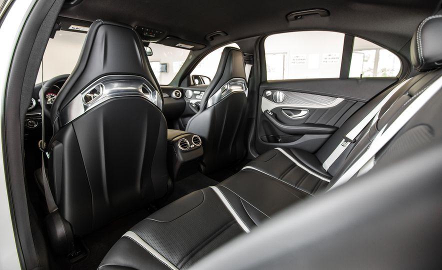 2015 Mercedes-AMG C63 S-Model - Slide 27