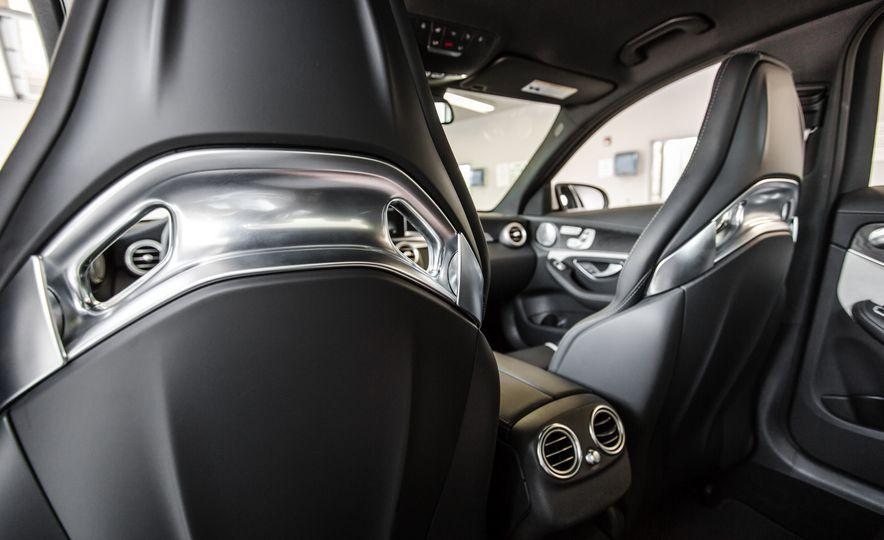 2015 Mercedes-AMG C63 S-Model - Slide 29