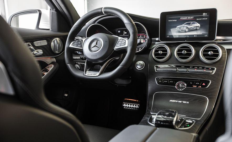 2015 Mercedes-AMG C63 S-Model - Slide 31