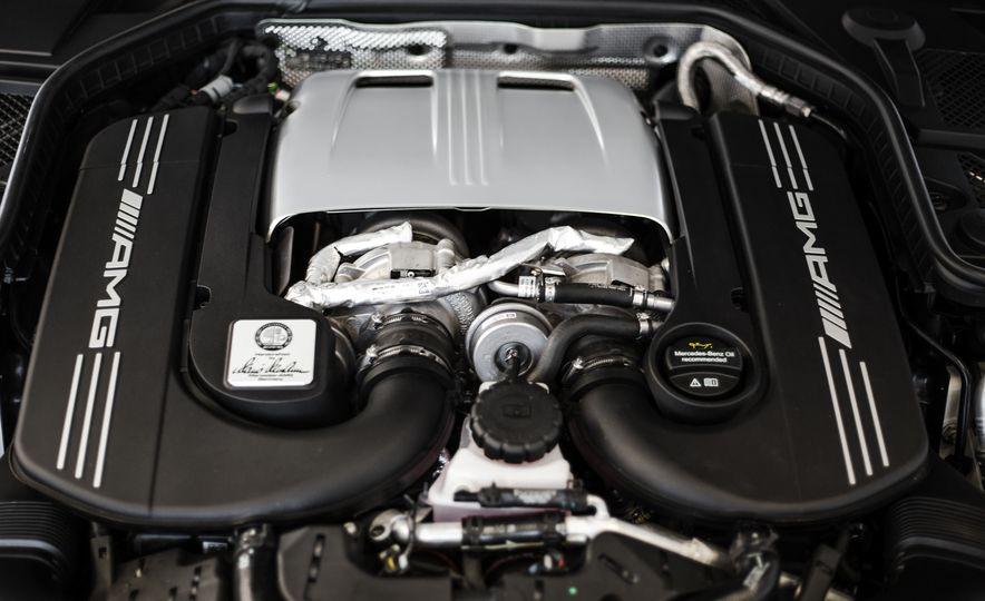 2015 Mercedes-AMG C63 S-Model - Slide 47