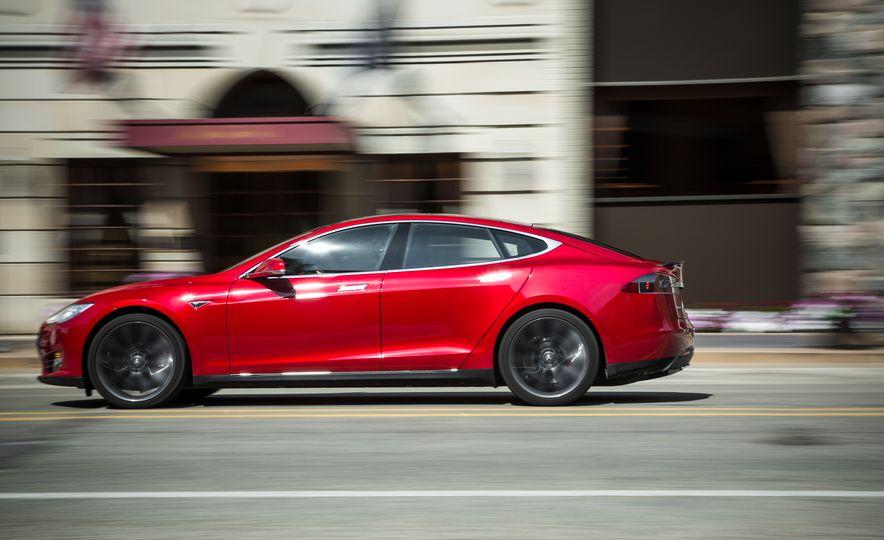 2015 Tesla Model S P85D - Slide 61