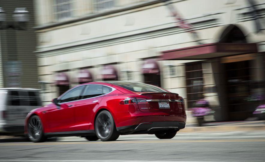 2015 Tesla Model S P85D - Slide 62