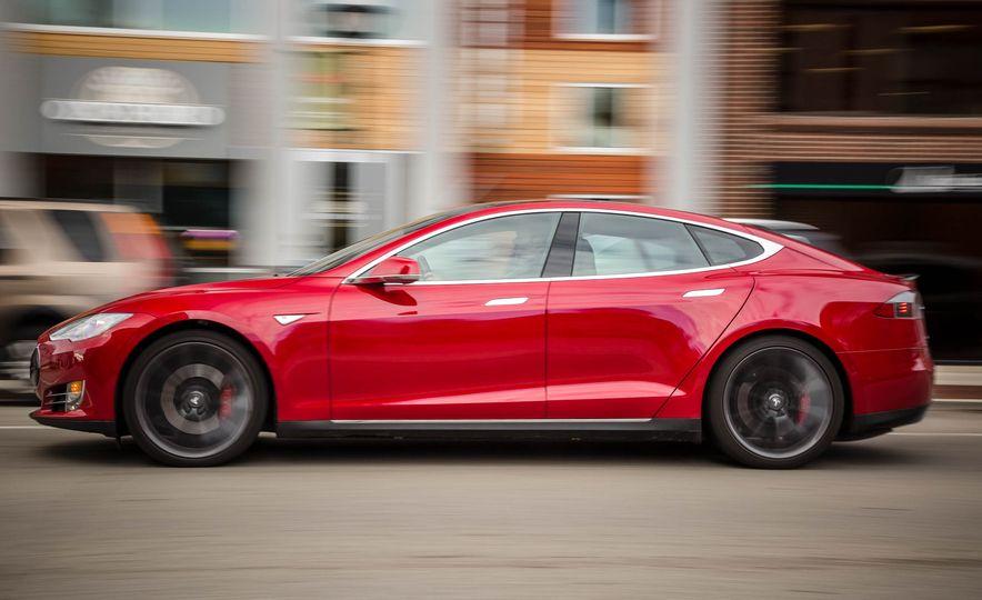 2015 Tesla Model S P85D - Slide 56