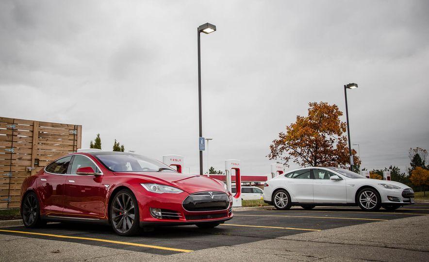2015 Tesla Model S P85D - Slide 57