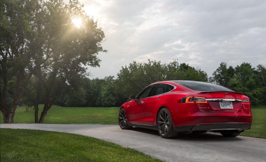 2015 Tesla Model S P85D - Slide 65