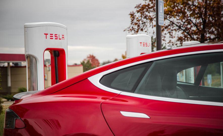2015 Tesla Model S P85D - Slide 58