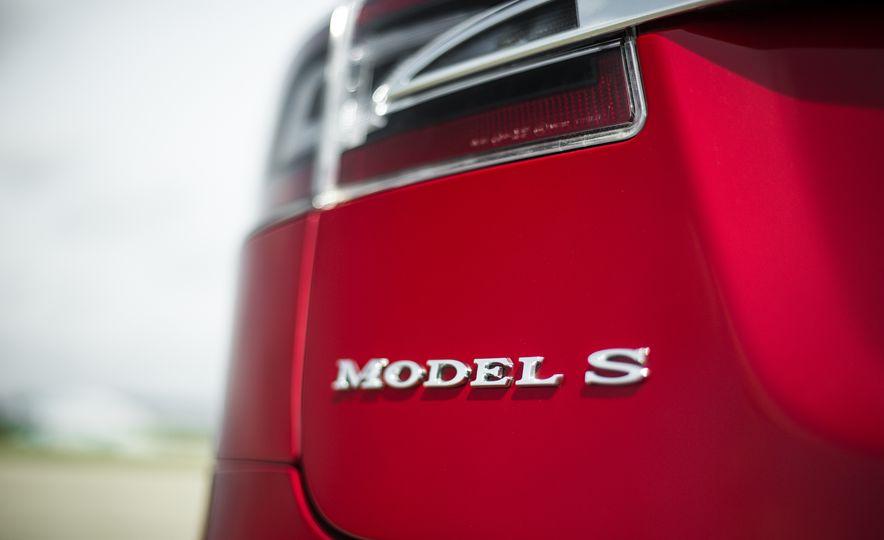 2015 Tesla Model S P85D - Slide 71