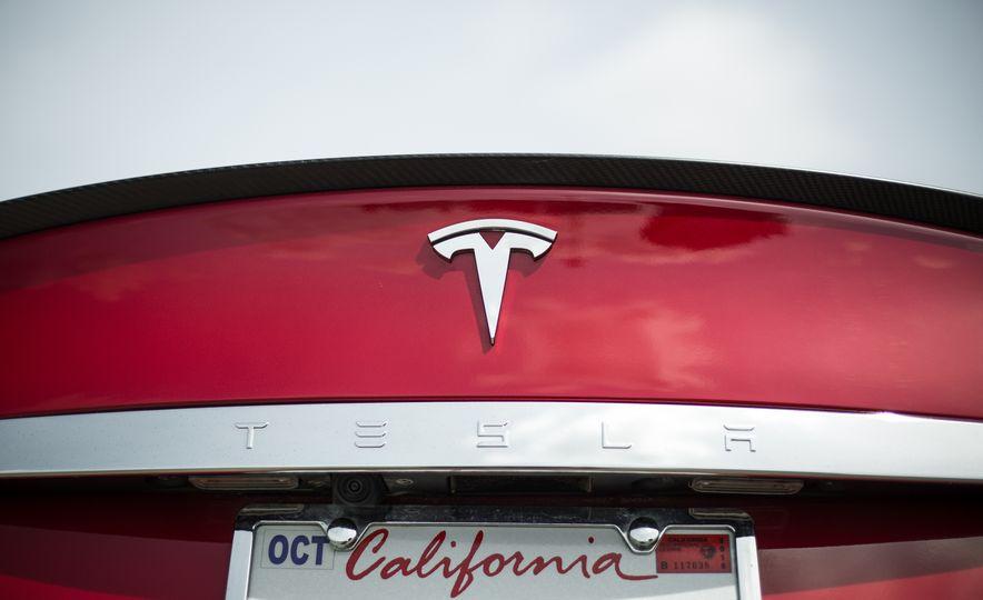 2015 Tesla Model S P85D - Slide 72