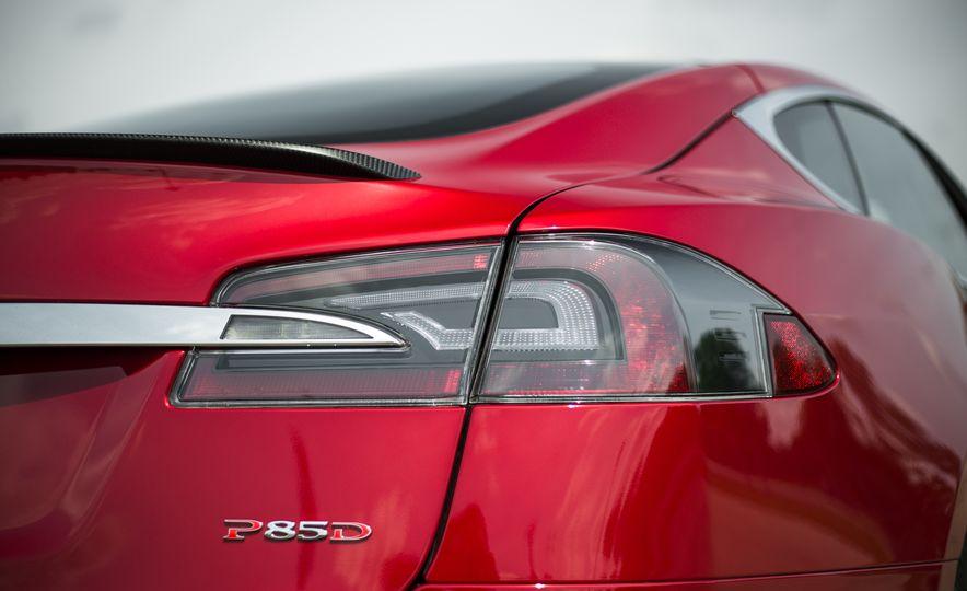 2015 Tesla Model S P85D - Slide 73