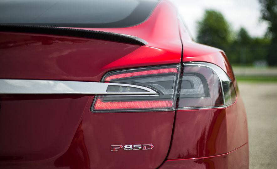 2015 Tesla Model S P85D - Slide 74