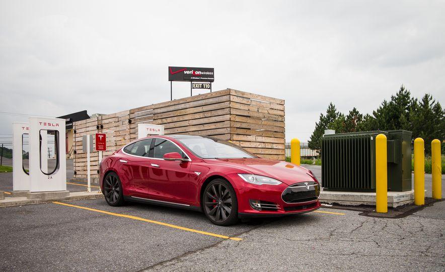 2015 Tesla Model S P85D - Slide 89
