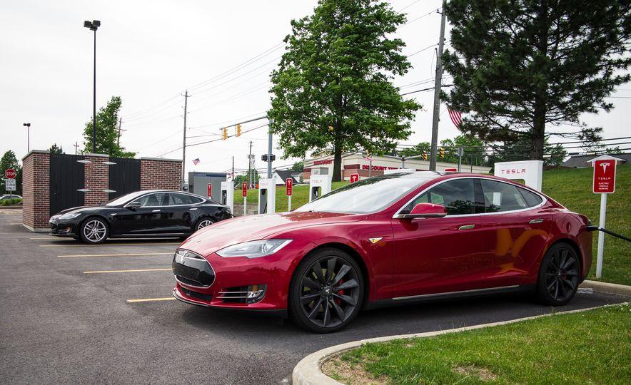 2015 Tesla Model S P85D - Slide 93