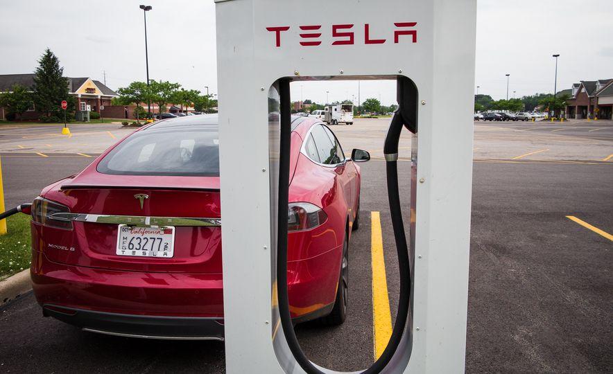 2015 Tesla Model S P85D - Slide 95