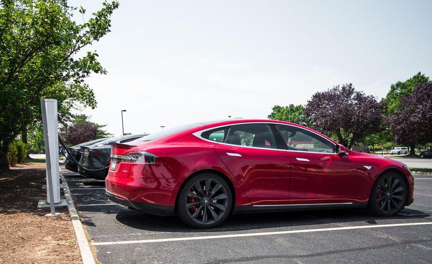 2015 Tesla Model S P85D - Slide 97