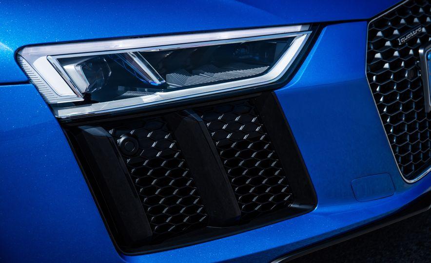 2017 Audi R8 Plus - Slide 65