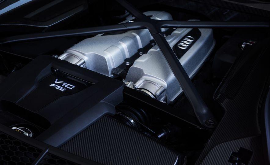 2017 Audi R8 Plus - Slide 69