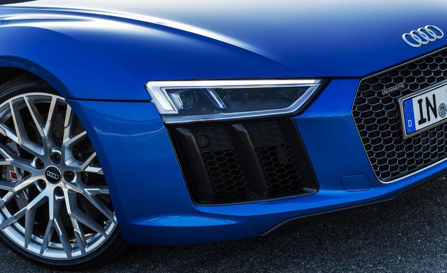 2017 Audi R8 Plus - Slide 15