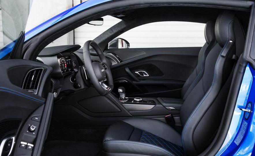 2017 Audi R8 Plus - Slide 22