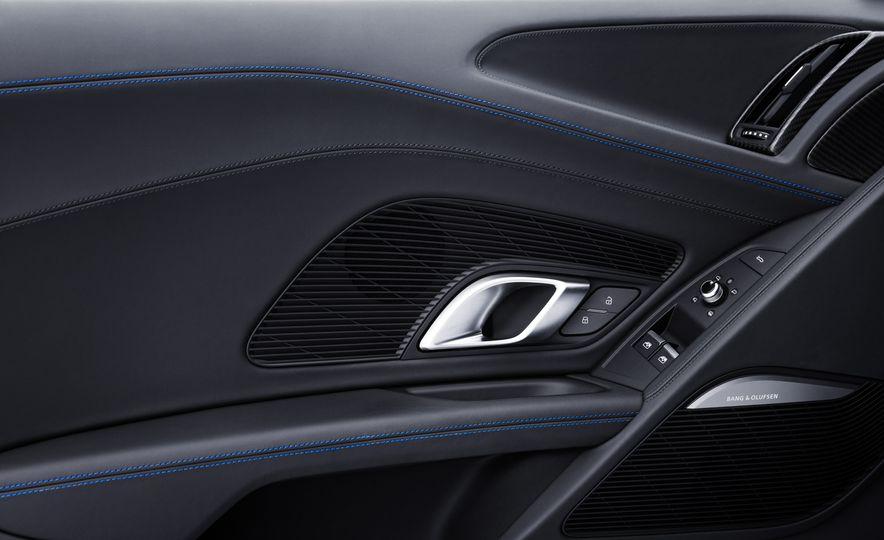 2017 Audi R8 Plus - Slide 24