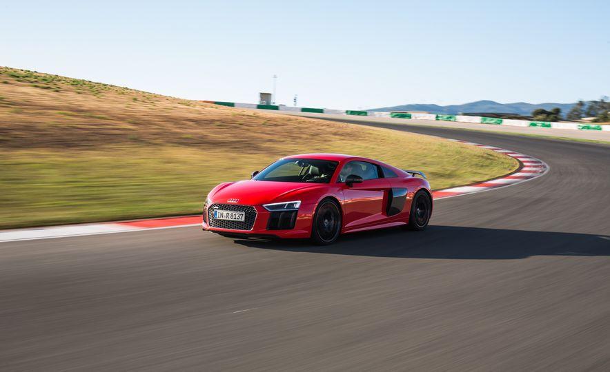 2017 Audi R8 Plus - Slide 33