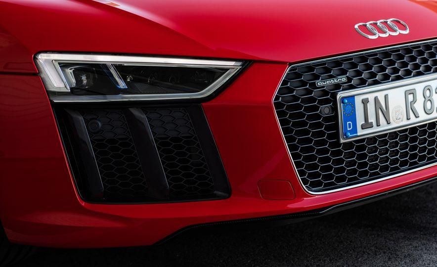 2017 Audi R8 Plus - Slide 40