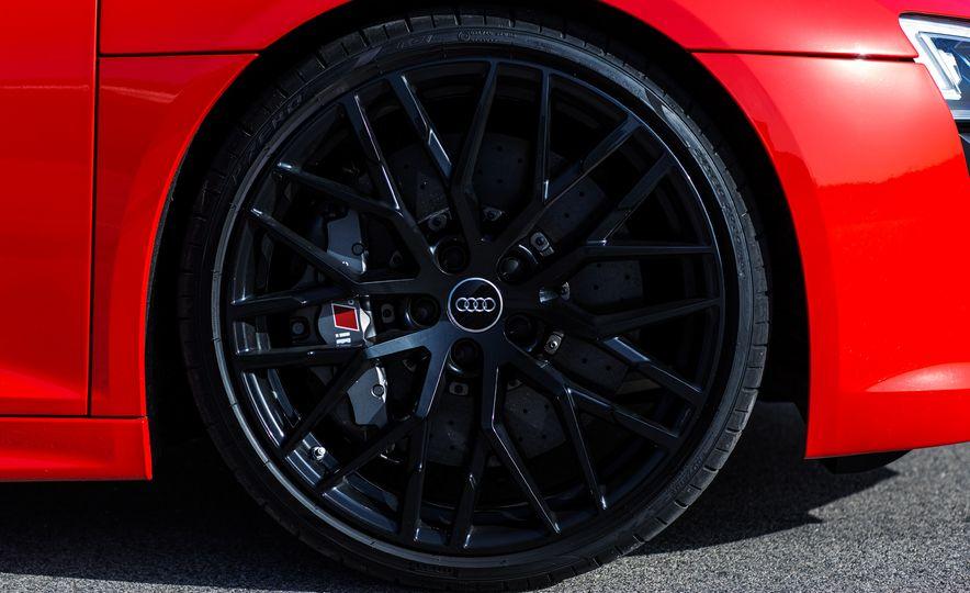 2017 Audi R8 Plus - Slide 41