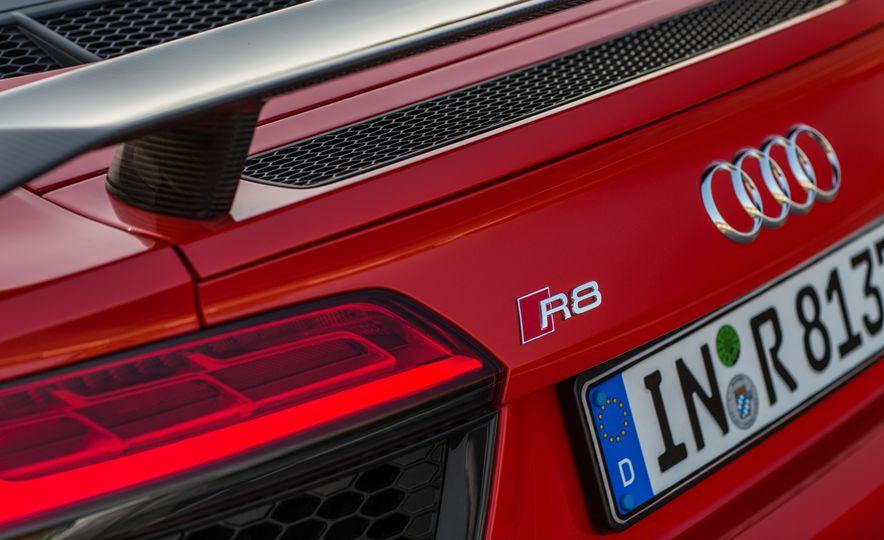 2017 Audi R8 Plus - Slide 47