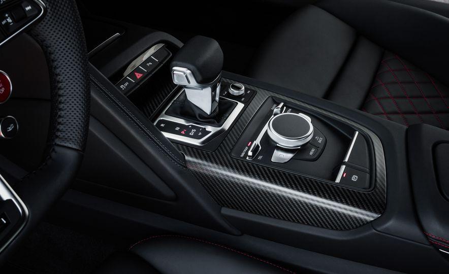 2017 Audi R8 Plus - Slide 55