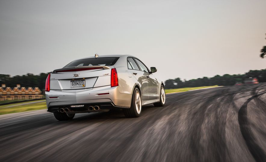 2016 Cadillac ATS-V sedan - Slide 6