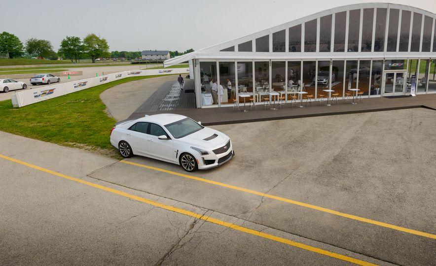 2016 Cadillac ATS-V sedan - Slide 36