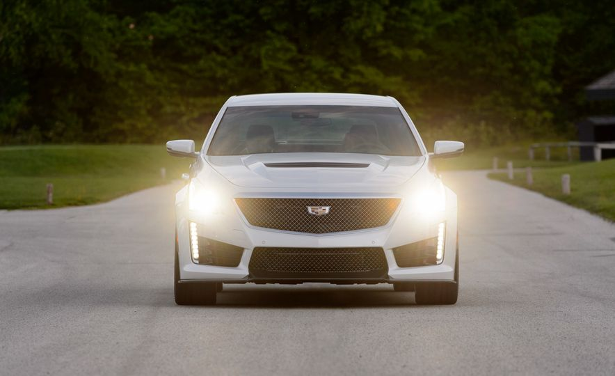 2016 Cadillac ATS-V sedan - Slide 38