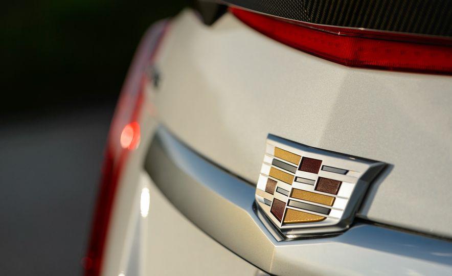 2016 Cadillac ATS-V sedan - Slide 42