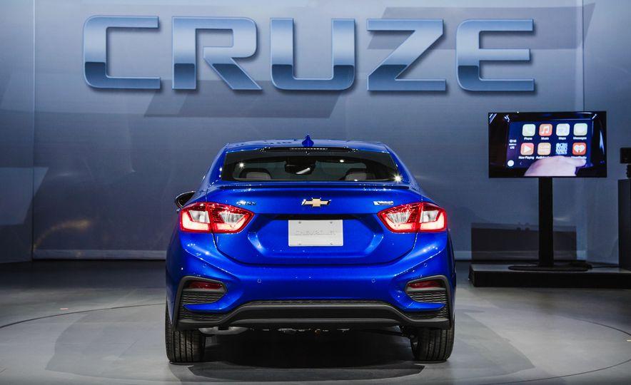 2016 Chevrolet Cruze RS - Slide 5