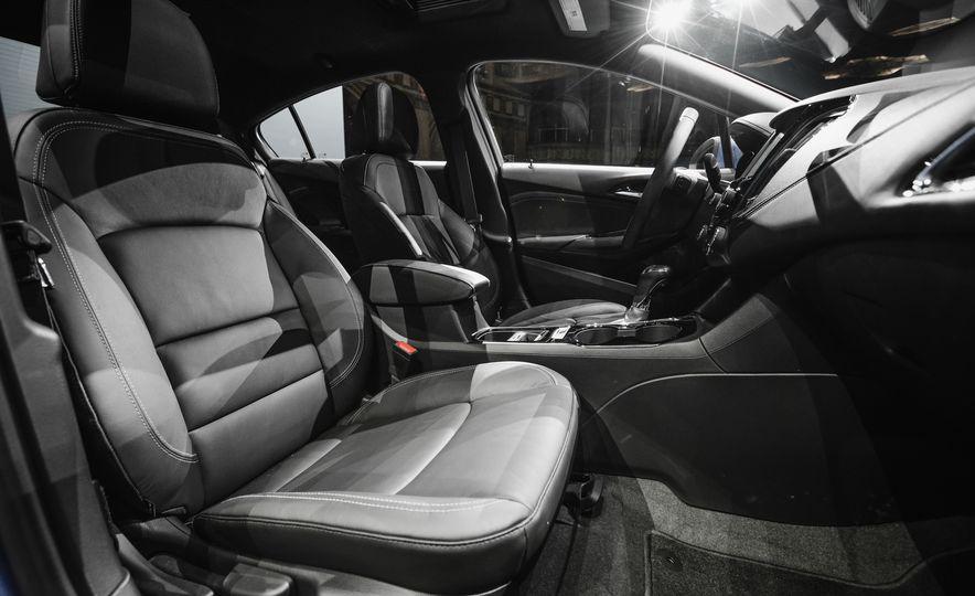 2016 Chevrolet Cruze RS - Slide 22