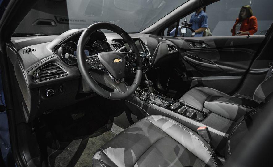 2016 Chevrolet Cruze RS - Slide 23