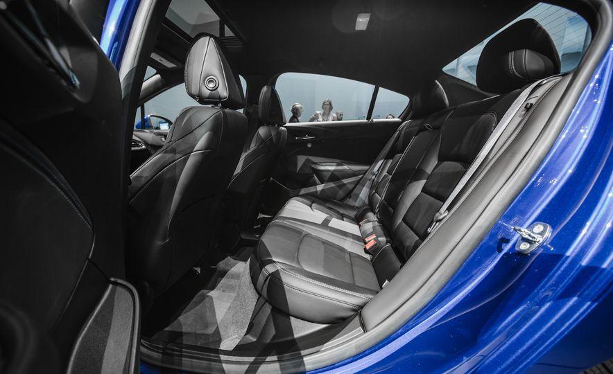 2016 Chevrolet Cruze RS - Slide 25