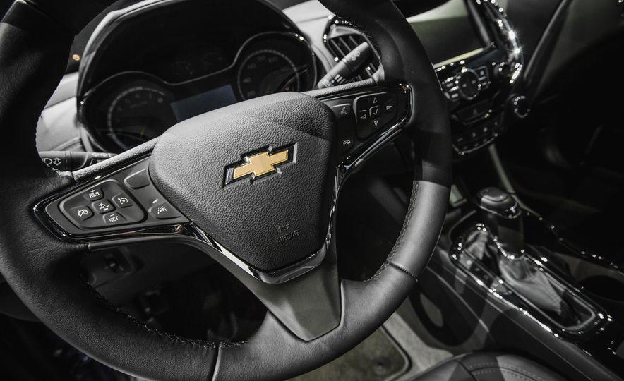 2016 Chevrolet Cruze RS - Slide 26