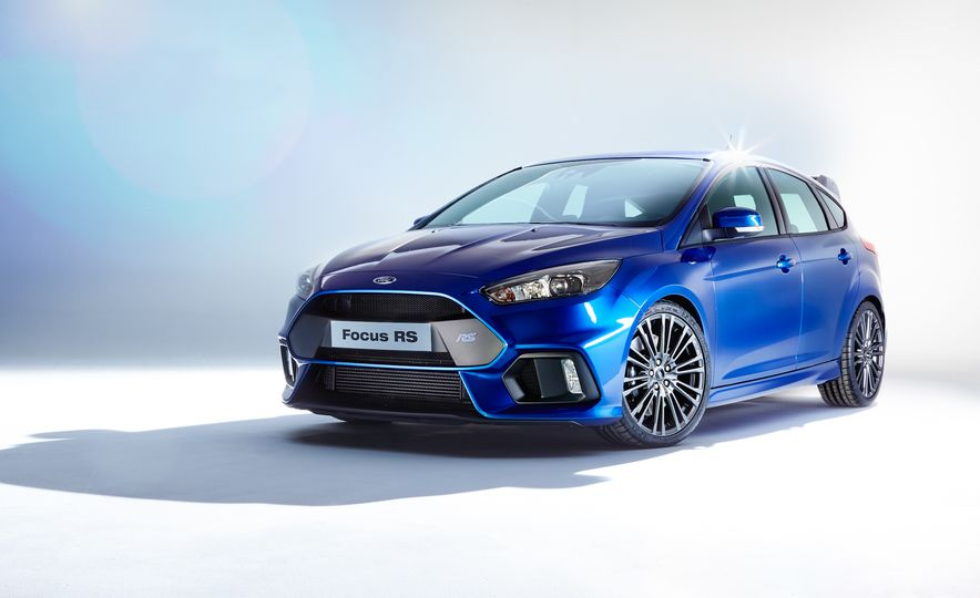 2016 Ford Focus RS - Slide 1