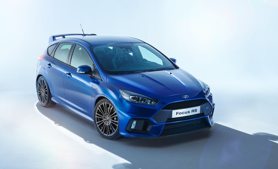 2016 Ford Focus RS - Slide 2