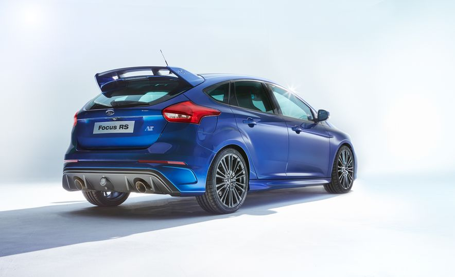 2016 Ford Focus RS - Slide 3