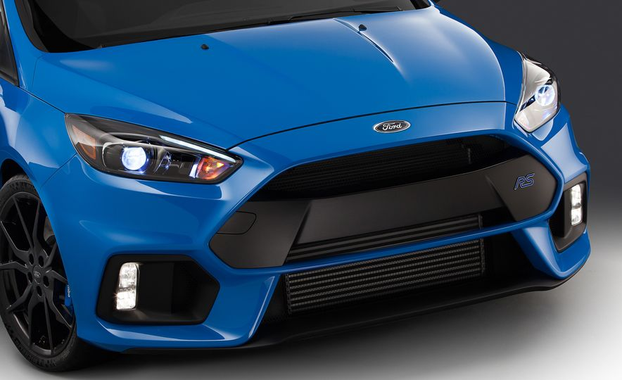 2016 Ford Focus RS - Slide 10