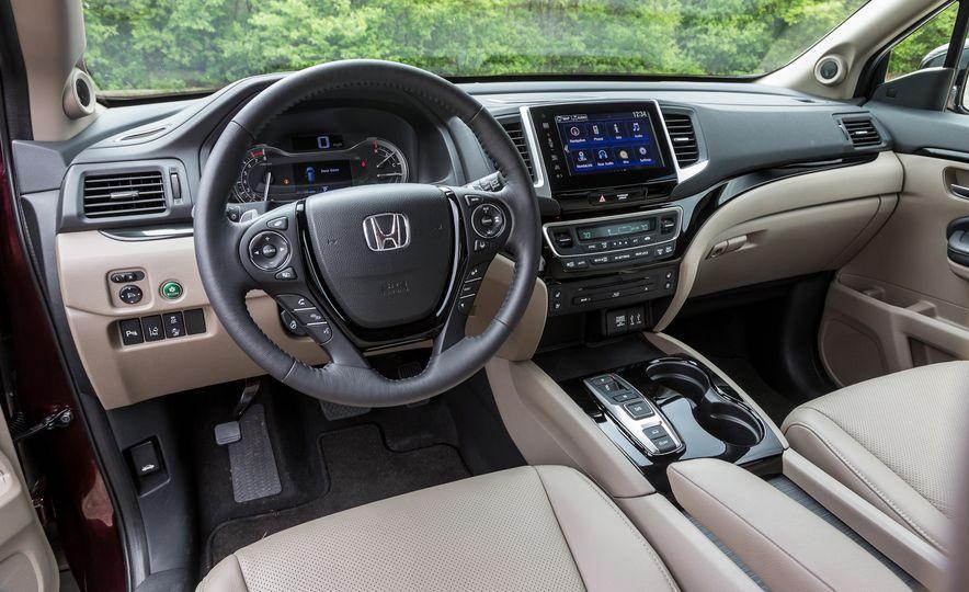 2016 Honda Pilot Elite AWD - Slide 8