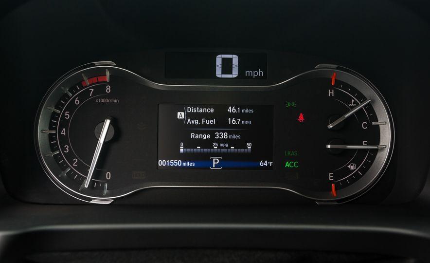2016 Honda Pilot Elite AWD - Slide 15