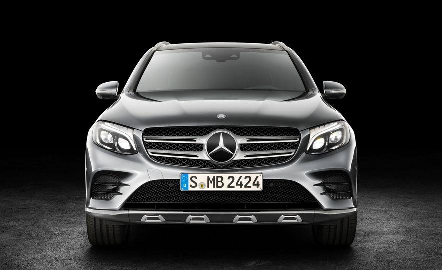 2016 Mercedes-Benz GLC250d 4MATICs (Euro-spec) - Slide 21