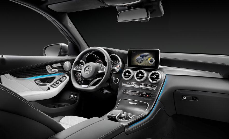 2016 Mercedes-Benz GLC250d 4MATICs (Euro-spec) - Slide 25