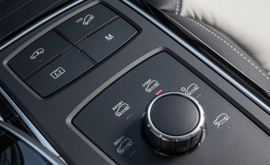 2016 Mercedes-Benz GLE400 4MATIC - Slide 30