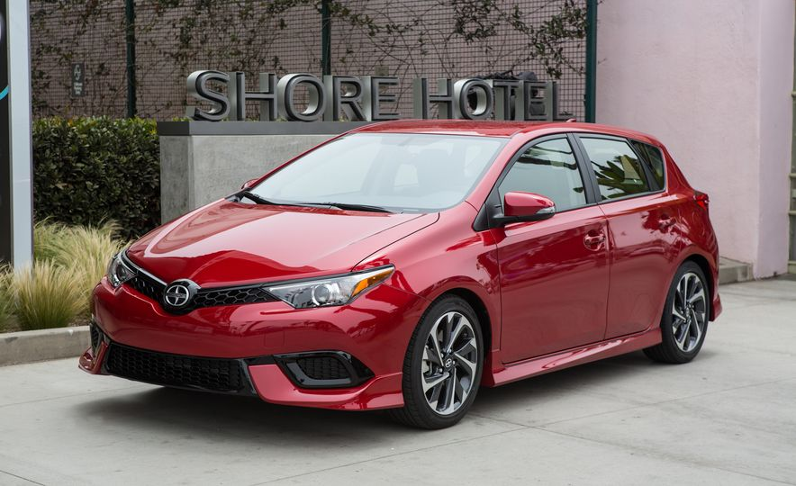 2016 Scion iA - Slide 14