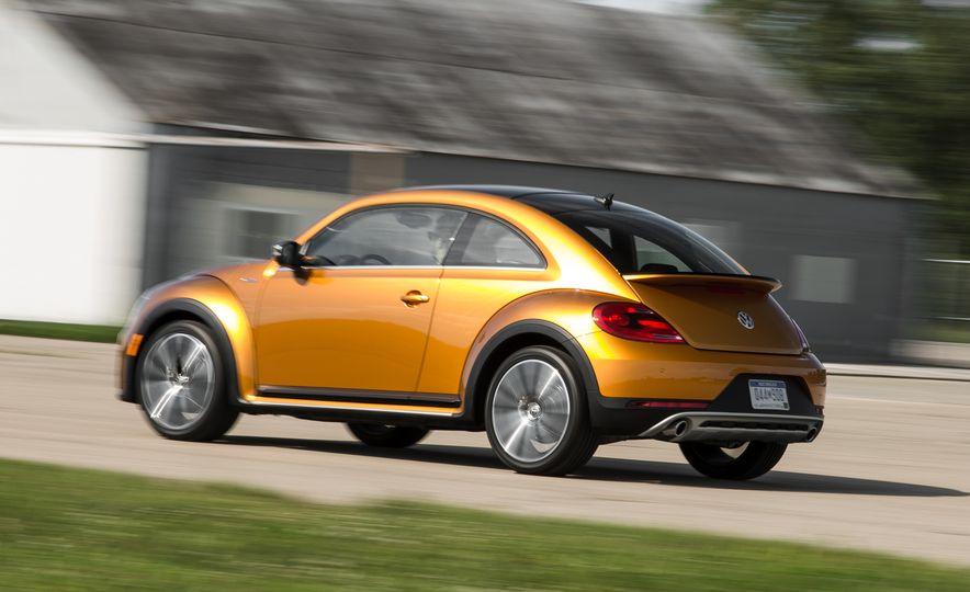 Volkswagen Beetle Dune hybrid concept - Slide 2