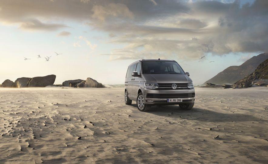 Volkswagen California camper van (Euro-spec) - Slide 1
