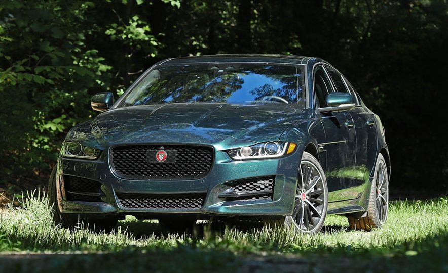 Swank for Less Bank: Entry-Level Luxury Cars Ranked - Slide 12